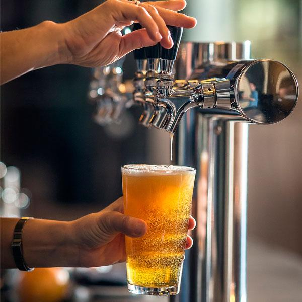 Beerplease es una empresa radicada en Buenos Aires, especializada en instalación, mantenimiento y alquiler de choperas, y cursos de cerveza. Estamos disponibles para vos las 24 horas. ¡Contactanos!
